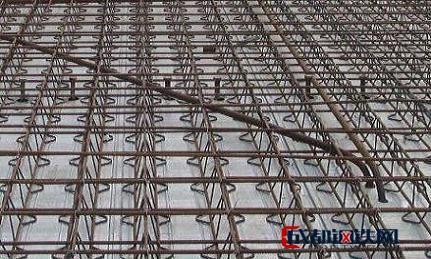 成都鋼筋桁架樓承板的工藝是怎樣的原理?