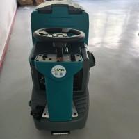 酒店驾驶式洗地机 小型洗地车 单刷盘图片