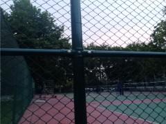 学校扁铁式篮球场护栏隔离网厂家安装视频