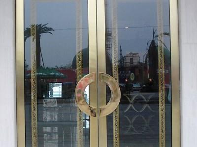 佰拓门业P185东莞不锈钢框玻璃地弹簧门
