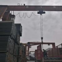 各种规格角钢 工程铁塔 电力铁塔 角铁图片
